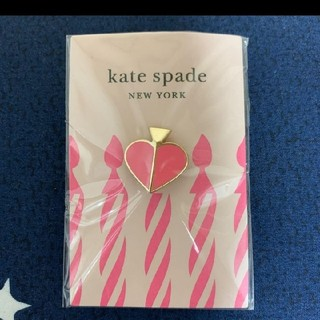 ケイトスペードニューヨーク(kate spade new york)のkate spade、ピンバッチ(バッジ/ピンバッジ)