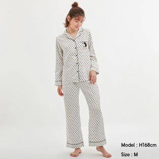 ジーユー(GU)のジーユー ドラえもん パジャマ 白 新品タグ付き(パジャマ)