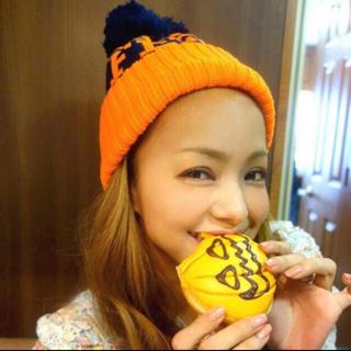 マウジー(moussy)の安室奈美恵 FEEL ニット帽 オレンジ moussy(ミュージシャン)