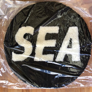 wind and sea round mat black ラグ(その他)