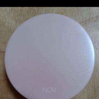 ノブ(NOV)のノブルースパウダー(フェイスパウダー)