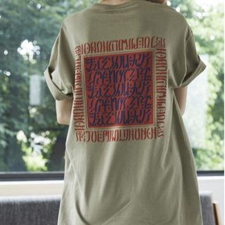 美品 juemi ジュエミ Tシャツ MACCIU TYPO T(Tシャツ(半袖/袖なし))