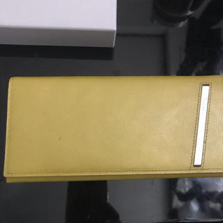 カルバンクライン(Calvin Klein)のカルバンクライン プラチナム 黄色 長財布(長財布)