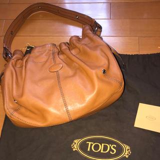 トッズ(TOD'S)のTods キャラメル ショルダーバッグ(ショルダーバッグ)