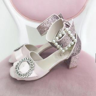 スワンキス(Swankiss)の《値下げ‼️》Swankiss EV glitter heel sandals(サンダル)