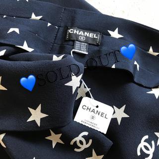 シャネル(CHANEL)のCHANEL♡未使用 タグ付き ココ&スター  スカーフ  ネイビー(バンダナ/スカーフ)