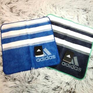 アディダス(adidas)の新品未使用 adidas タオルハンカチ 青ベース ネイビーベース 2枚セット(ハンカチ)