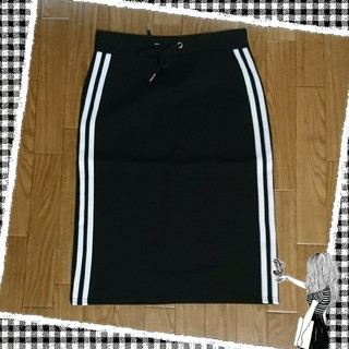 黒の白ライン タイトスカート(ひざ丈スカート)