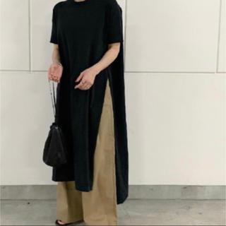 アクネ(ACNE)のアクネスタジオス スリットTシャツ ワンピース エンフォルド 好きにおすすめ!(Tシャツ(半袖/袖なし))