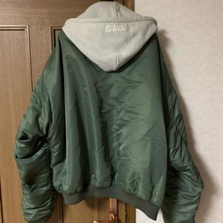 バレンシアガ(Balenciaga)のVETEMENTS bomber jacket 登坂着用モデル(ブルゾン)