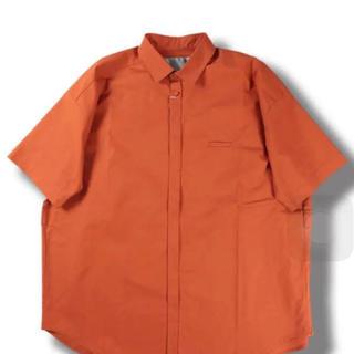 ドゥルカマラ(Dulcamara)のDulcamara ショートスリーブトレンチシャツ orange(シャツ)