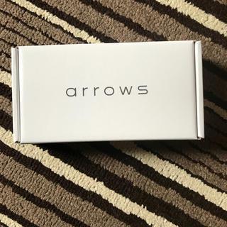 アローズ(arrows)のarrows M5 ホワイト(スマートフォン本体)