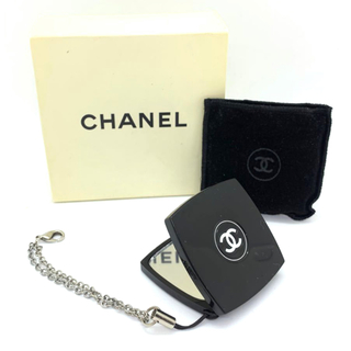シャネル(CHANEL)のシャネル     ミニ ダブルミラー コンパクト チャーム キーホルダー (チャーム)
