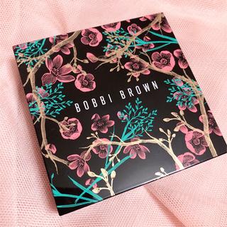 ボビイブラウン(BOBBI BROWN)の限定品 BOBBI BROWN  ハイライディングパウダー ピンクグロウ 新品(フェイスパウダー)