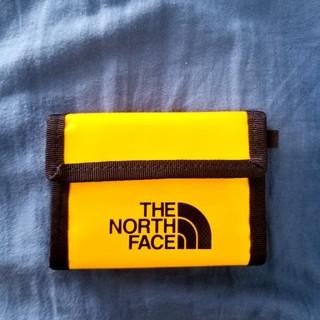 ザノースフェイス(THE NORTH FACE)の【美品】ノースフェイス 財布(イエロー)(折り財布)