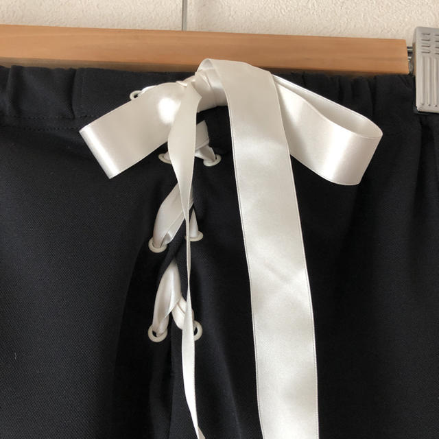 GO TO HOLLYWOOD(ゴートゥーハリウッド)の美品ゴートゥーハリウッドリボンジャージ140 キッズ/ベビー/マタニティのキッズ服女の子用(90cm~)(パンツ/スパッツ)の商品写真