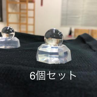 水晶玉直径約2㎝ 6個セット 置き台付き パワーストーン(置物)