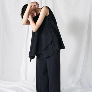 エンフォルド(ENFOLD)の【タグ付き*新品】エンフォルド トップス ブラック(シャツ/ブラウス(半袖/袖なし))