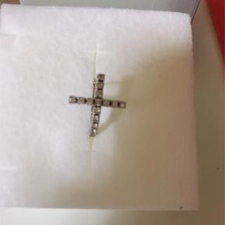 ジャスティンデイビス(Justin Davis)のjustin davis carved cross ピアス 片耳(ピアス(片耳用))