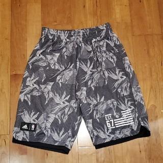 アディダス(adidas)のバスケットパンツ (ショートパンツ)
