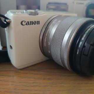 キヤノン(Canon)のCanon EOS M10 Wズームキット WH(デジタル一眼)