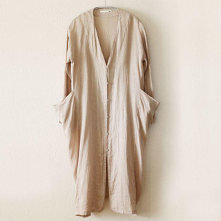 エヴァムエヴァ(evam eva)のevam eva linen drop pocket robe(カーディガン)
