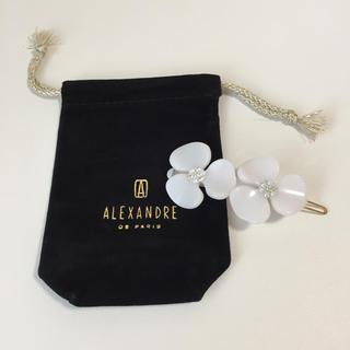 Alexandre de Paris - アレクサンドルドゥパリ カメリア ホワイト クリップ ピン