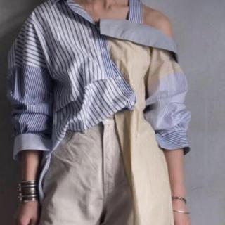 エンフォルド(ENFOLD)のENFOLD ミックスファブリックオフショルダーストライプシャツ(シャツ/ブラウス(半袖/袖なし))