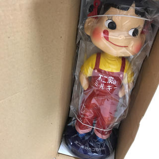 フジヤ(不二家)の不二家創業100周年記念復刻版ペコちゃん人形(ノベルティグッズ)