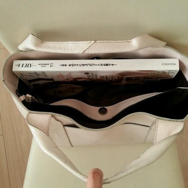 春物☆ピンク レザーバッグ レディースのバッグ(トートバッグ)の商品写真