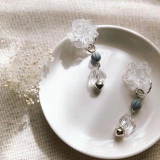 ケービーエフ(KBF)のゆれる氷華pierce/earring(イヤリング)