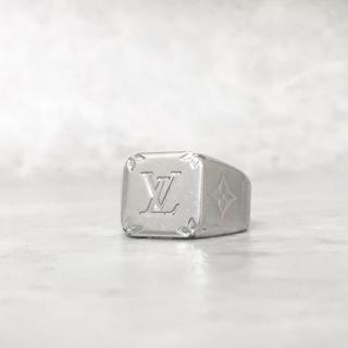 ルイヴィトン(LOUIS VUITTON)の正規品 ヴィトン 指輪 シグネット モノグラム シルバー 銀 ロゴ リング 印台(リング(指輪))