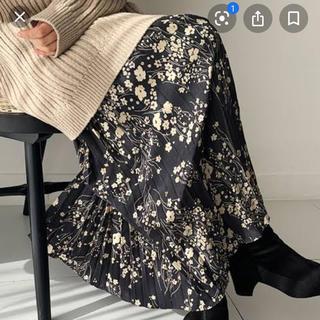 ディーホリック(dholic)の花柄スカート (ロングスカート)