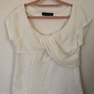 クイーンズコート(QUEENS COURT)の胸元リボンTシャツ(カットソー(半袖/袖なし))