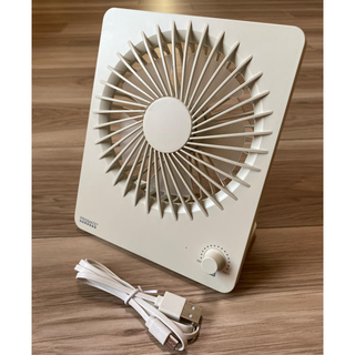 卓上ファン モバイルバッテリー機能付 PRISMATE(扇風機)