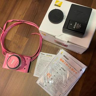 ニコン(Nikon)の美品 Nikon J1 レンズキット ミラーレス一眼 ピンク 動作確認済(ミラーレス一眼)