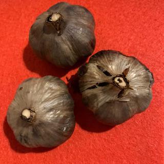 【数量限定*無農薬極上】青森県産!日本一の福地ホワイト!黒にんにく!1kg!(野菜)