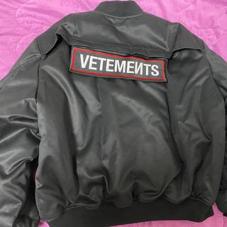 バレンシアガ(Balenciaga)のVETEMENTS POLICE ボンバージャケット m オーバーサイズ(ブルゾン)