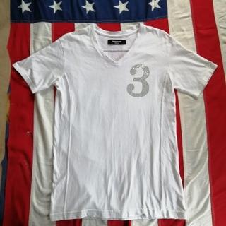 ウノピゥウノウグァーレトレ(1piu1uguale3)のウノピュウノウグァーレトリラックス・Tシャツ 白 ホワイト Vネック(Tシャツ/カットソー(半袖/袖なし))