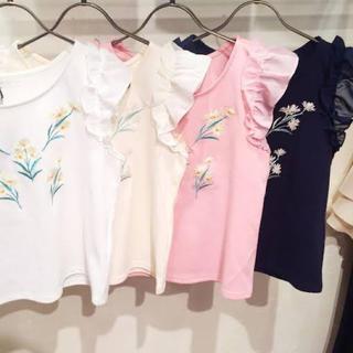 ミーア(MIIA)の新品同様 MIIA 花柄刺繍TOPS(Tシャツ(半袖/袖なし))