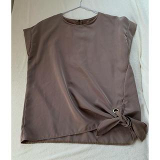 ルカ(LUCA)のLUCA ブラウス 裾リボン カーキ(シャツ/ブラウス(半袖/袖なし))