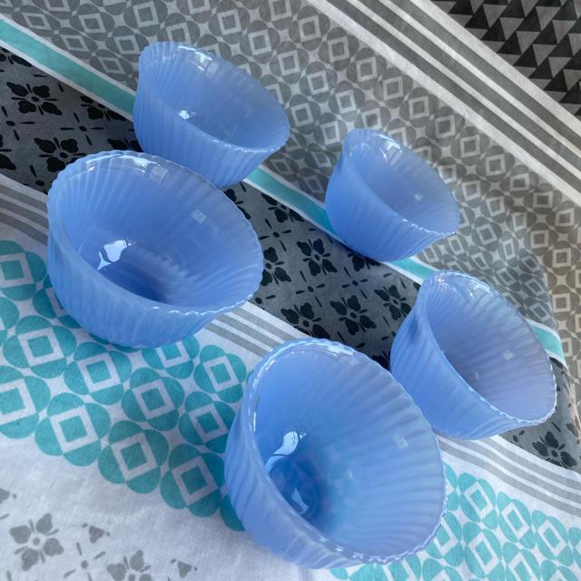 東洋佐々木ガラス(トウヨウササキガラス)の佐々木硝子 小鉢揃 珍味入れ デザート皿 5つ インテリア/住まい/日用品のキッチン/食器(食器)の商品写真