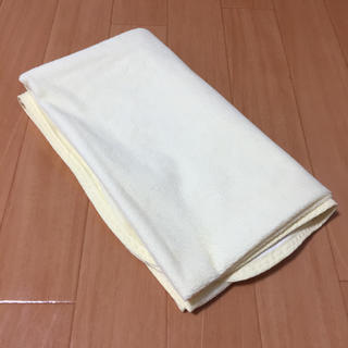 アカチャンホンポ(アカチャンホンポ)のundoudou ベビー布団用防水シーツ クリーム色 1枚(シーツ/カバー)