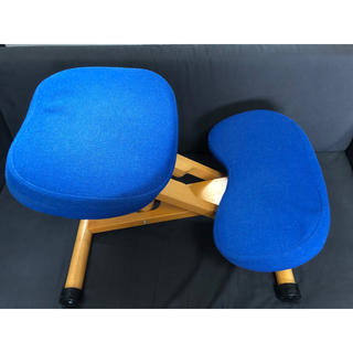 姿勢の良くなる椅子 ブルー(その他)