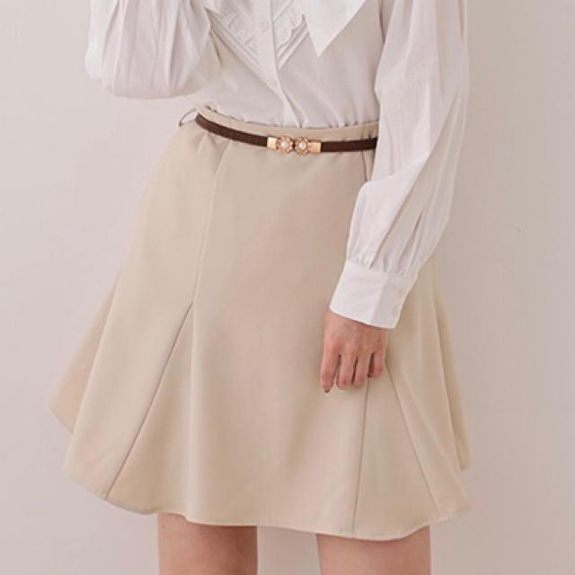 one after another NICE CLAUP(ワンアフターアナザーナイスクラップ)のNICE CLAUP サーキュラースカート ベージュ レディースのスカート(ミニスカート)の商品写真