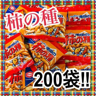 カメダセイカ(亀田製菓)の柿の種 10g 200袋 亀田製菓(菓子/デザート)