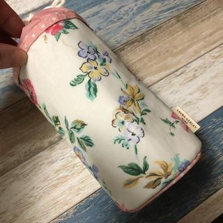ローラアシュレイ(LAURA ASHLEY)のローラアシュレイ  花柄ボトルホルダー(日用品/生活雑貨)