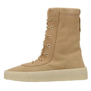 """アディダス(adidas)のYEEZY SEASON 2 Crepe Boot """"Taupe""""(ブーツ)"""