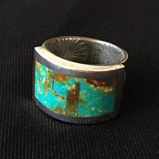 ゴローズ(goro's)のインディアンジュエリー ナバホ族 キングマンターコイズ シルバーリング(リング(指輪))