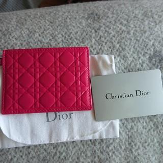 クリスチャンディオール(Christian Dior)のめちゃくちゃ可愛いピンク!【新品】ディオール・カードケース(パスケース/IDカードホルダー)